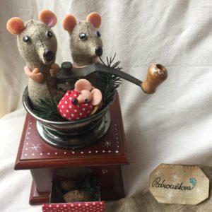 Myšky s mlýnkem Vánoční